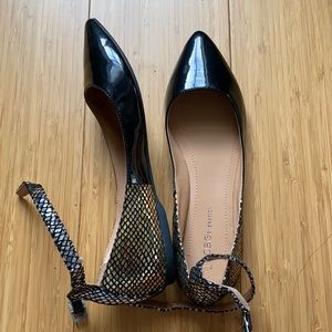 Pointy toe flats by BCbGeneration